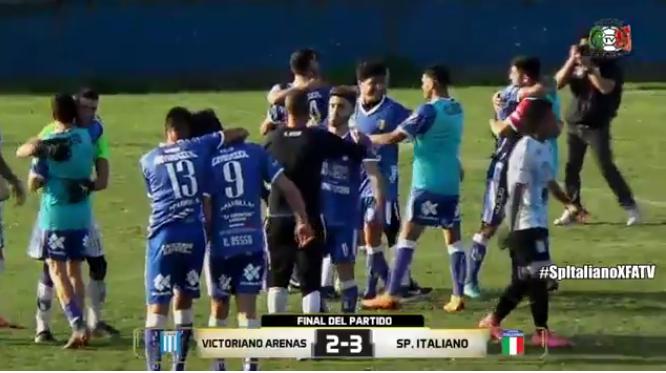 Reacción Azurra, Triunfazo de Sportivo Italiano que perdia 2 a 0 ante Victoriano Arenas y lo dio vuelta 3 a 2 por la Primera C (Video) DmV4CzJ