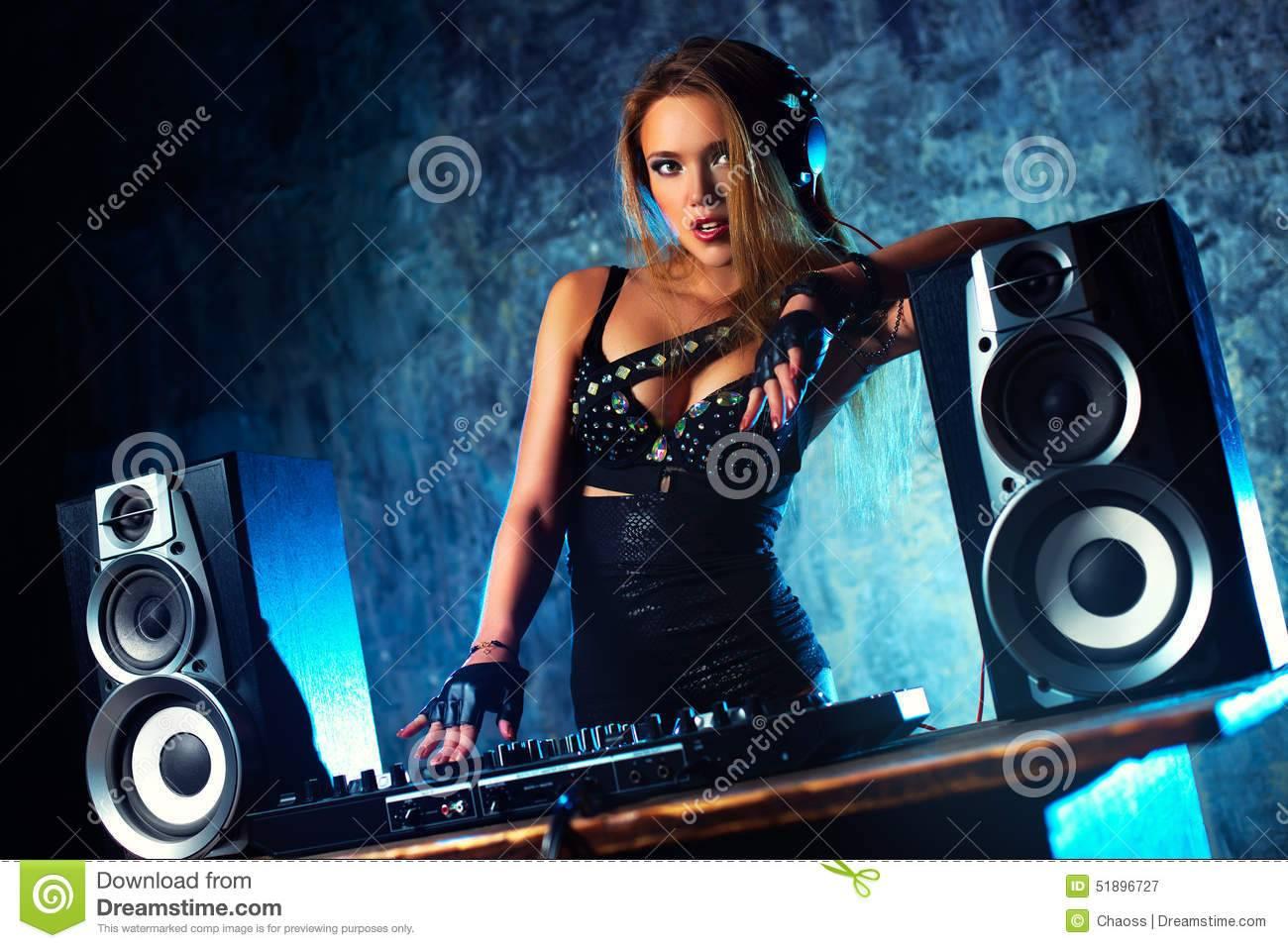 ESCUCHA AL DJ 2-ESTEBAN