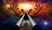 La mente se estira por una nueva idea o sensación, y nunca se contrae de nuevo a sus antiguas dimensiones.